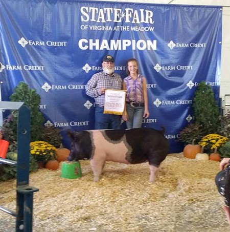The Strong Family with the Reserve Champion Gilt at the 2014 Virginia State Fair.