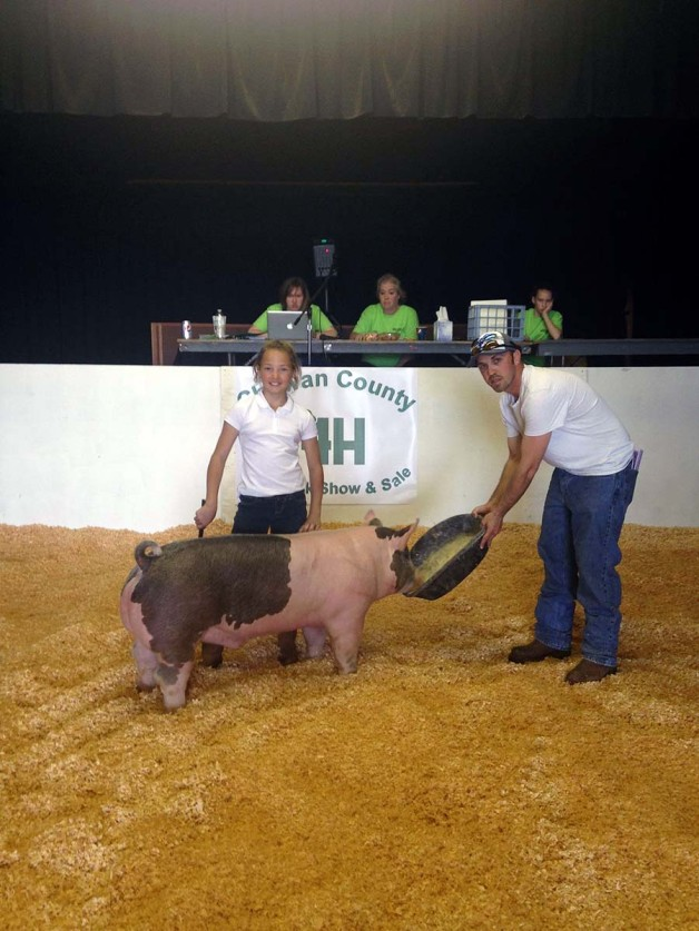 The Pippins Family with the Grand Champion at the 2015 Chowan County, NC 4-H Show