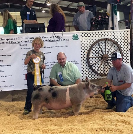 Hunter Ross with the 4th Overall Market Hog at the 2017 Chesapeake, VA Livestock Show