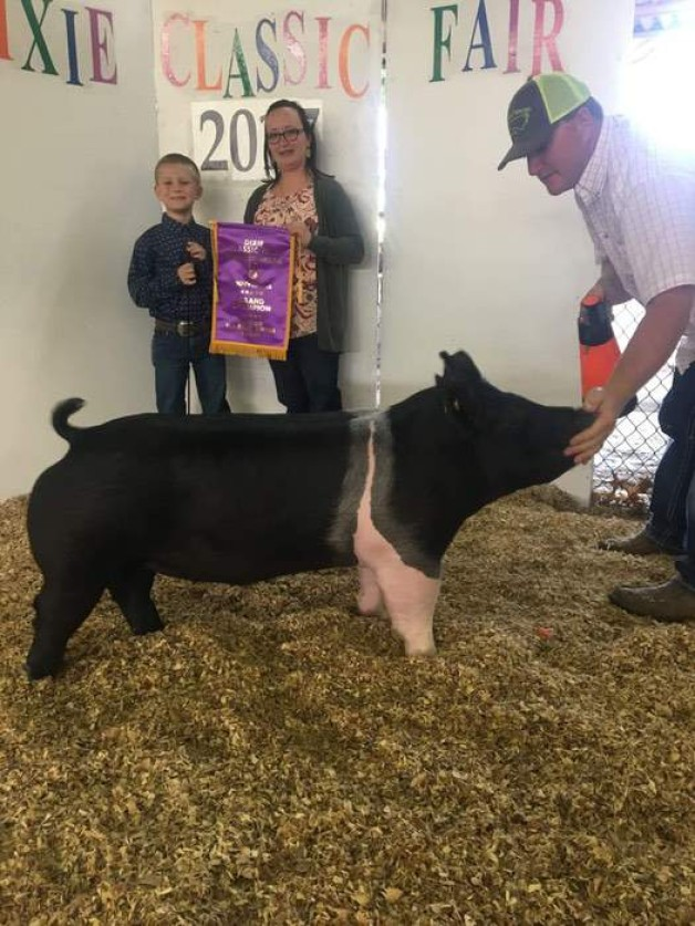 Ashton Seal with the Grand Champion at the 2017 Dixie Classic