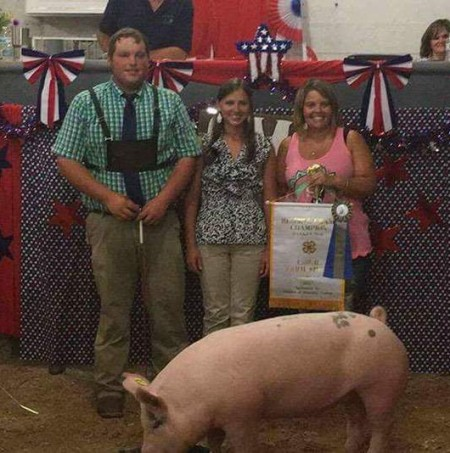 D. J. Dyer with the Reserve Champion at the 2017 CMR Farm Show