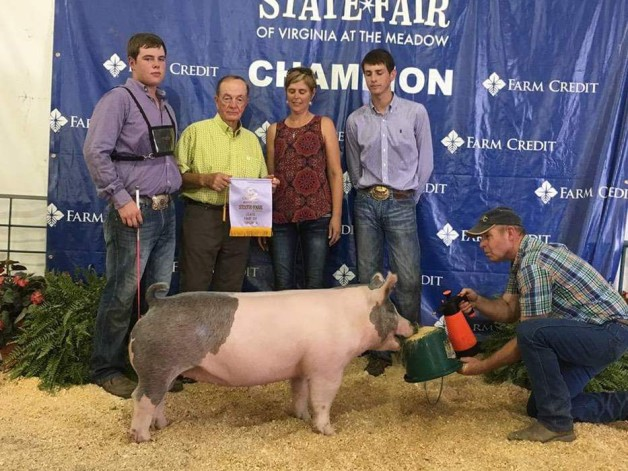 Zach McCall with the Reserve Champion Gilt at the 2017 VA State Fair