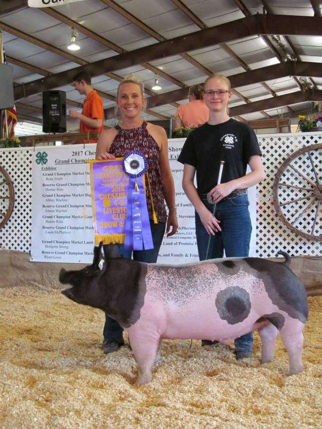 Chloe Miller with the Grand Champion at the 2018 Chesapeake, VA 4-H Livestock Show