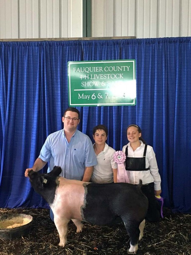 Riley Hines with the Reserve Champion at the 2018 Fauquier County, VA 4-H Livestock Show