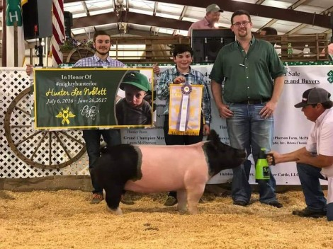 Addison Naas with the  Reserve Champion at the 2019 Chesapeake, VA 4-H Livestock Show